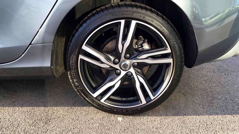 Volvo V40 D4 R-Design Pro Automatic Intellisafe Pro, Winter Pack, Tints, Leather