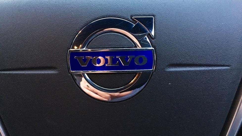 Volvo S60 D2 R-Design Manual