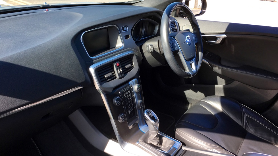 Volvo V40 T2 R-DESIGN LUX NAV