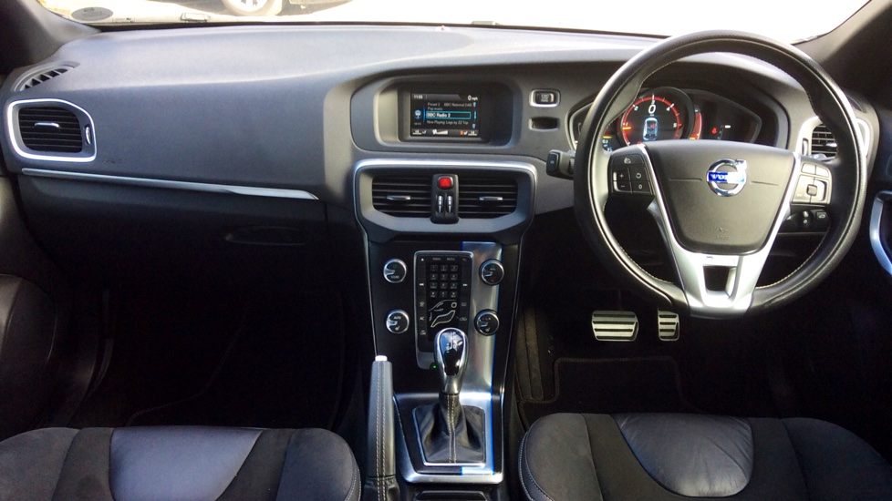 Volvo V40 D2 R-Design Auto