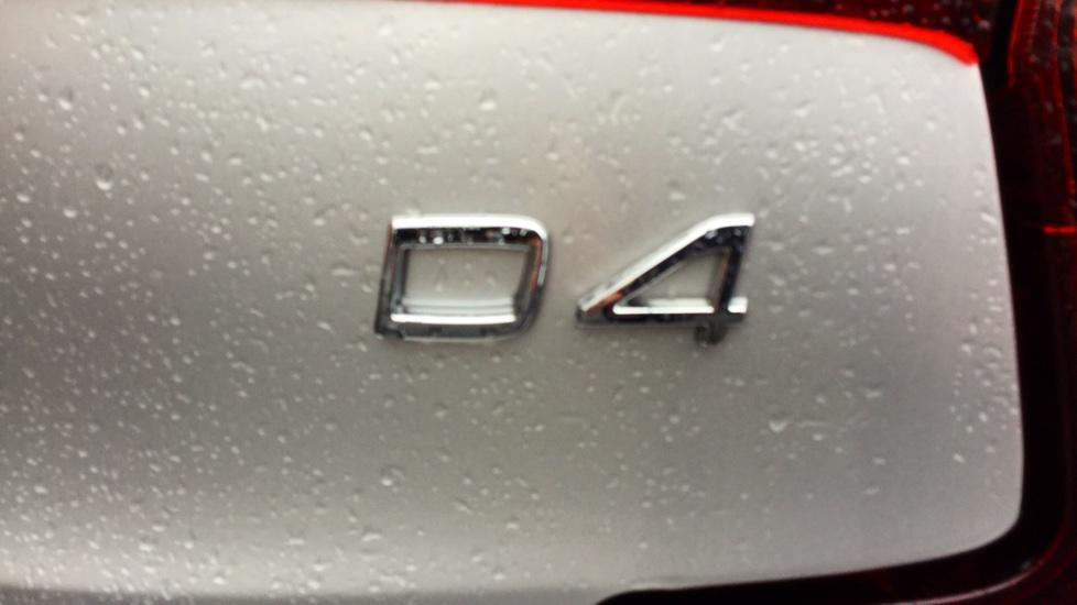 Volvo S90 D4 Momentum Automatic