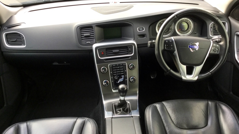 Volvo S60 D2 SE Lux 4 Door with FULL LEATHER SEATS and Rear Park Assist