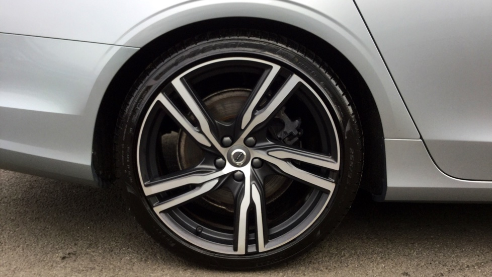 Volvo S90 D5 (235 bhp) PowerPulse AWD R-Design Pro Automatic, ELECTRIC SUNROOF Ex Volvo UK Vehicle, XENIUM PACK, 20 Inch Alloy Wheels, Volvo On-Call with App