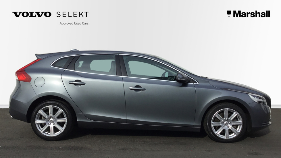 Volvo V40 D4 Inscription Automatic with a Winter Pack