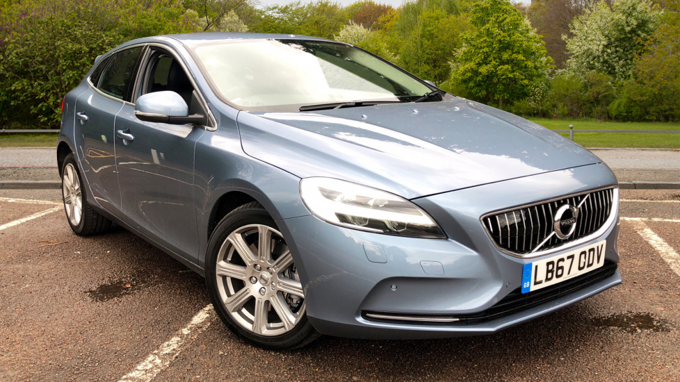 Volvo V40 D3 150hp Inscription Nav Auto with Rear Parking Camera, Front & Rear Park Assist & Soft Leather 2.0 Diesel Automatic 5 door Hatchback (2018) image