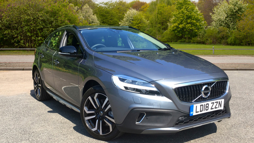 Volvo V40 D3 Cross Country Pro Auto with Front & Rear Park Assist & 18inch Alloys 2.0 Diesel Automatic 5 door Hatchback (2018) image