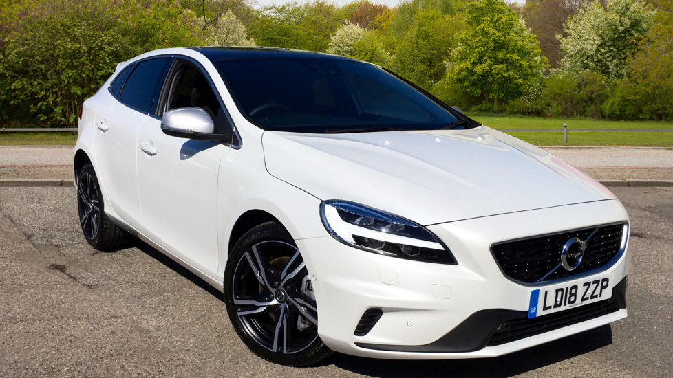 Volvo V40 T3 150hp R-Design Pro Auto with Panoramic Sunroof, Front & Rear Park Assist & Intellisafe Pro Pk 2.0 Automatic 5 door Hatchback (2018) image