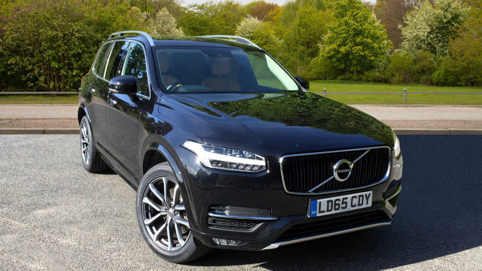 Volvo XC90 2.0 D5 Momentum AWD Auto with Winter Pack, Family Pack & 20inch Alloys Diesel Automatic 5 door Estate (2015) image
