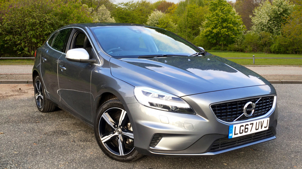 Volvo V40 D2 120hp Euro 6  R-Design Nav Plus with Heated Seats, Rear Park Assist & Sensus Connect Nav 2.0 Diesel 5 door Hatchback (2017) image