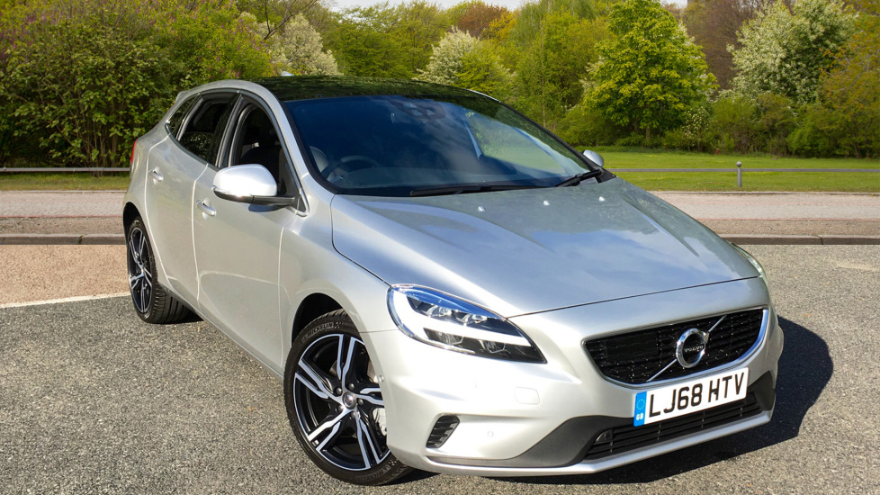 Volvo V40 D3 150hp Euro 6 R Design Pro Auto With Winter Pack, Xenium Pack & Intellisafe Pro Pack 2.0 Diesel Automatic 5 door Hatchback (2018) image