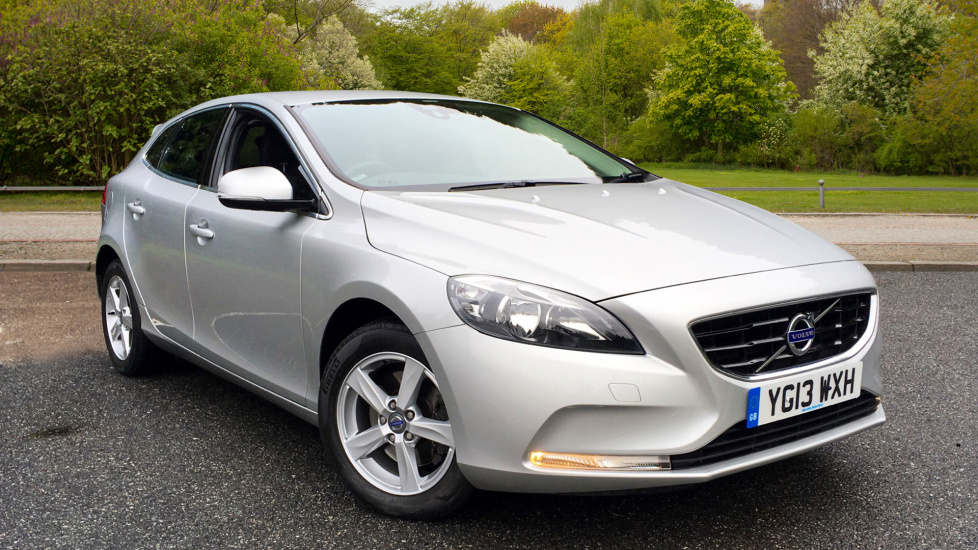 Volvo V40 T4 190hp Petrol SE Hatchback Manual with High Performance Sound, ECC & Volvo Bluetooth  1.6 5 door (2013) image