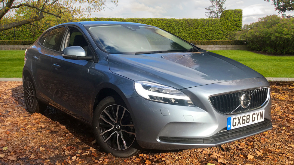 Volvo V40 D2 Momentum Nav Plus W. Winter Pack, Nav Plus & Rear Park Assist  2.0 Diesel 5 door Hatchback (2018) image
