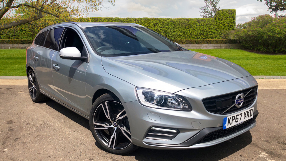 Volvo V60 D4 R-Design Lux Nav Manual With Adaptive Cruise Control & Parking Camera 2.0  5 door (2017) image