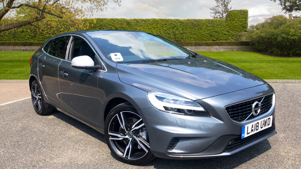 Volvo V40 D3 Euro 6 R Design Pro Nav Auto wIth Front & Rear Park Assist, Winter Pack, Satellite Navigation 2.0 Diesel Automatic 5 door Hatchback (2018) at Volvo Croydon thumbnail image