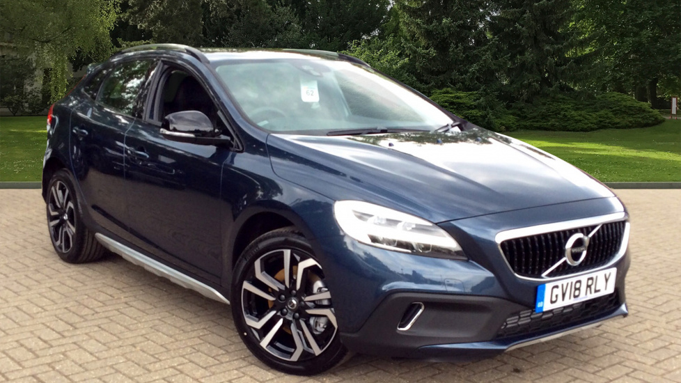 Volvo V40 T3 Cross Country Pro Manual With 18inch Alloys And Satellite Navigation 2.0 5 door Hatchback (2018) image