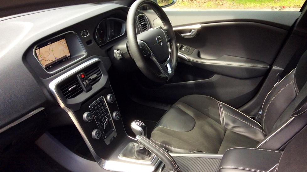 Volvo V40 D2 R-Design Nav Plus Manual + Xenium Pack