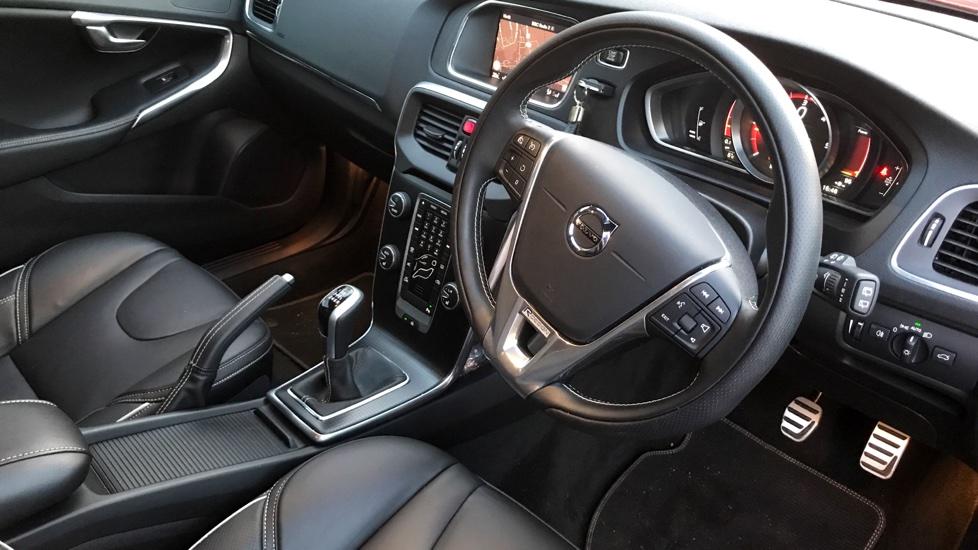 Volvo V40 D4 R-DESIGN PRO NAV+WINTER PACK