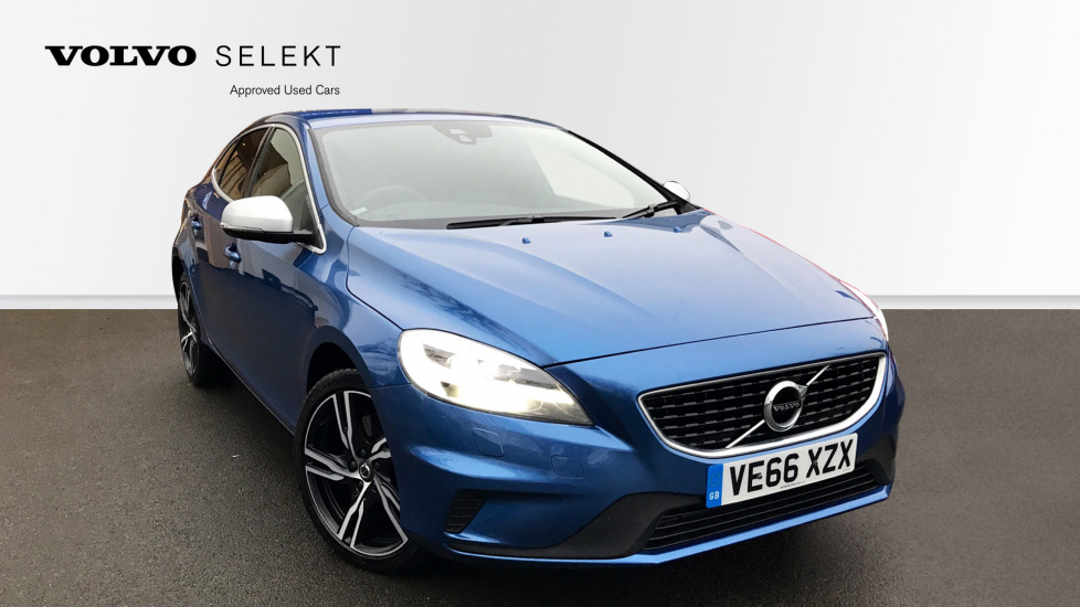 Volvo V40 D4 R-Design Pro Manual with Winter Pack, Leather and Navigation