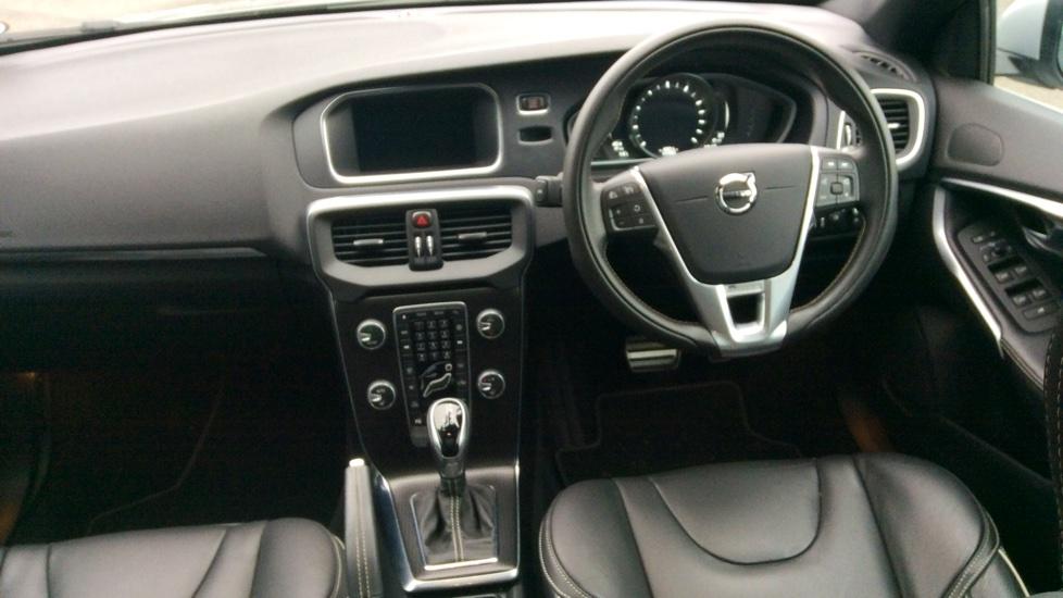 Volvo V40 T2 (120) Xenium R-Design Pro Auto