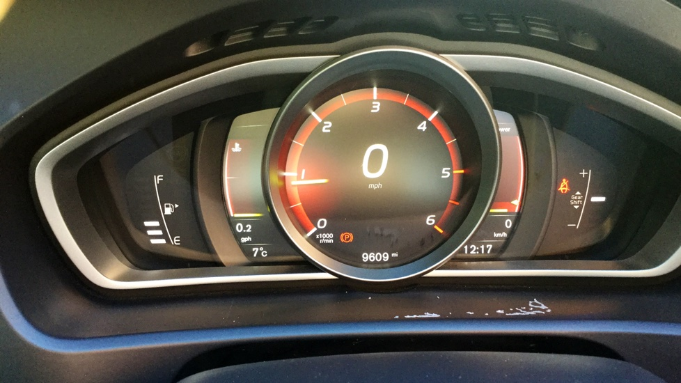 Volvo V40 D3 R-Design Nav Plus  (Winter Pack, Window Tints, Spare Wheel)