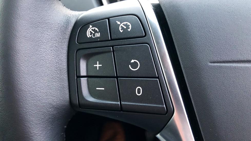 Volvo V40 D2 (120 BHP) Inscription Automatic, Winter Pack, Sensus Navigation,