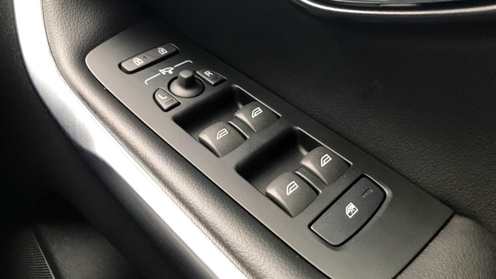 Volvo V40 D3 (150 BHP) Inscription Automatic, Xenium Pack, Winter Pack, Sensus Navigation