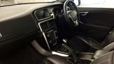 Volvo V40 D4 R-Design Pro Manual (19' Artio Alloys)