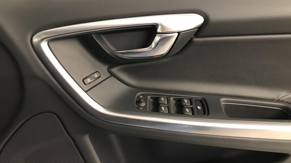 Volvo S60 D3 R-Design Manual