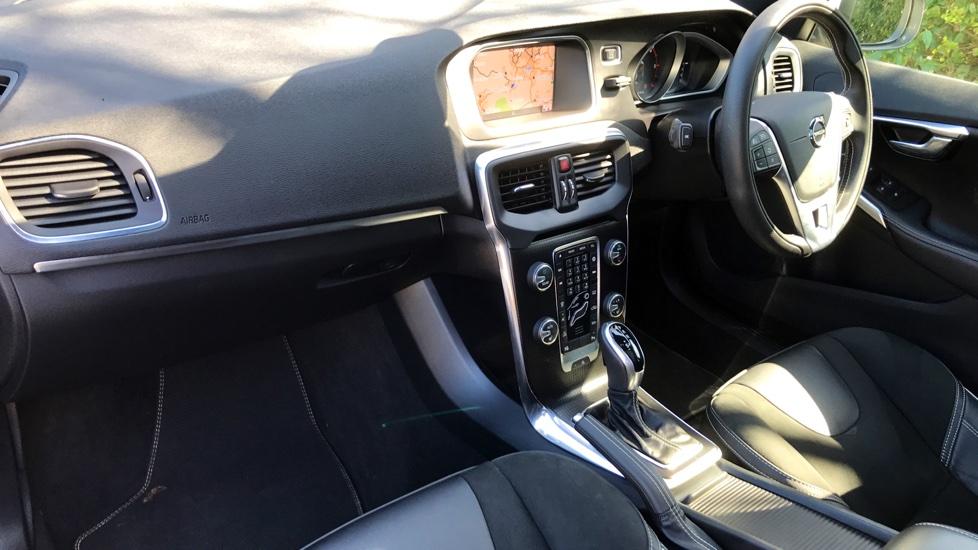 Volvo V40 D2 R-DESIGN AUTO NAV PLUS