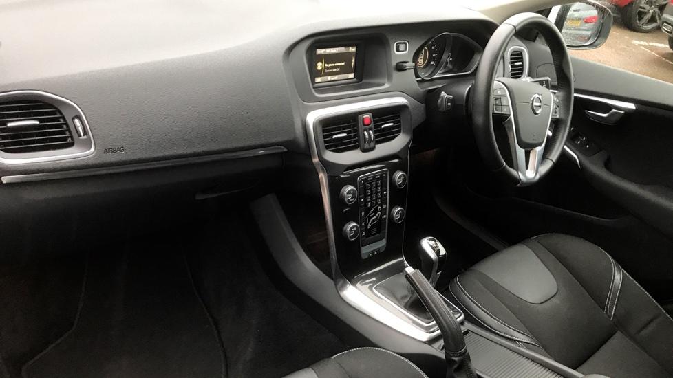 Volvo V40 D2 MOMENTUM MANUAL