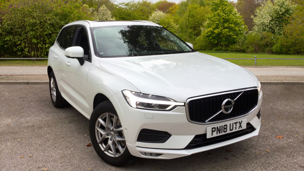 Volvo XC60 2.0 D4 AWD Momentum Pro Auto with Xenium Pack, Blis & City Safety Diesel Automatic 5 door 4x4 (2018) image