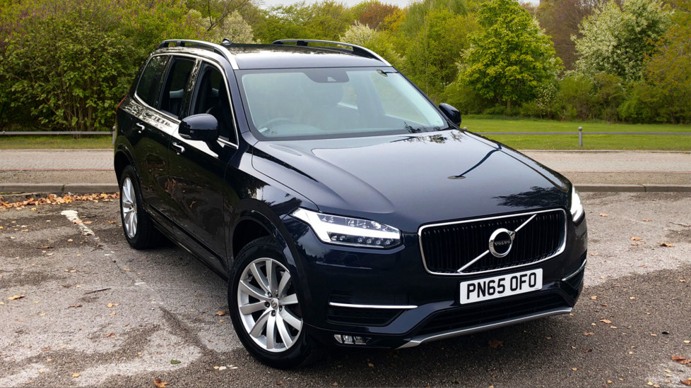 Volvo XC90 2.0 D5 Momentum 5dr AWD Auto with SENSUS Navigation and Rear Park Assist Diesel Automatic 4x4 (2015) image