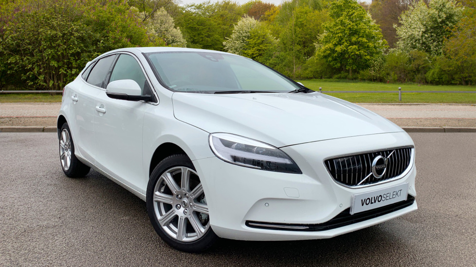 Volvo V40 T3 [152] Inscription Geartronic with Tinted Windows and Front Park Assist 2.0 5 door Hatchback (2018) at Volvo Preston thumbnail image