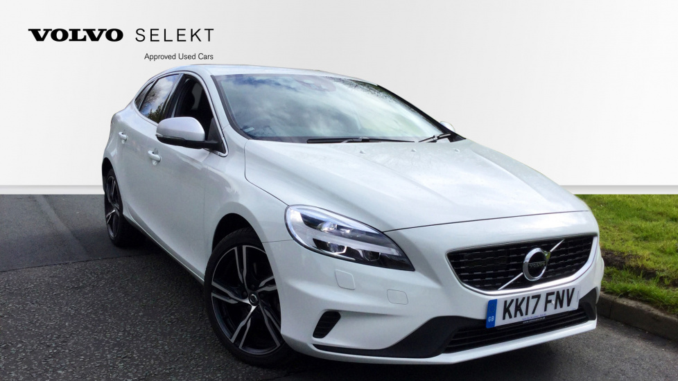 Volvo V40 T2 [122] R DESIGN Pro Geartronic with Winter Pack and Media Streaming 1.5 Automatic 5 door Hatchback (2017) image