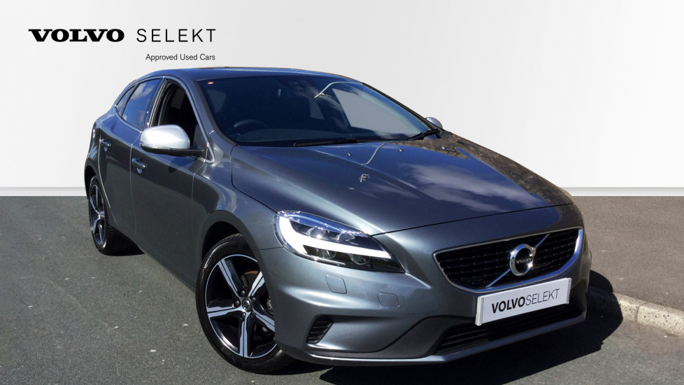 Volvo V40 D2 [120] R DESIGN Nav Plus with Bluetooth Connectivity and SENSUS 2.0 Diesel 5 door Hatchback (2017) image