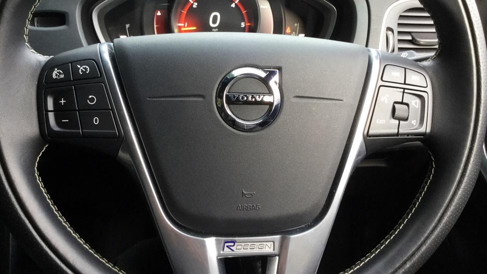 Volvo V40 2.0 TD D3 R-Design 5-Door Hatchback with Bluetooth, DAB Radio & Rear Assist