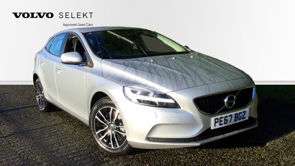 Volvo V40 D3 Momentum 5dr with Winter Pack, Volvo On Call & Tempa Spare Wheel 2.0 Diesel Hatchback (2017) image