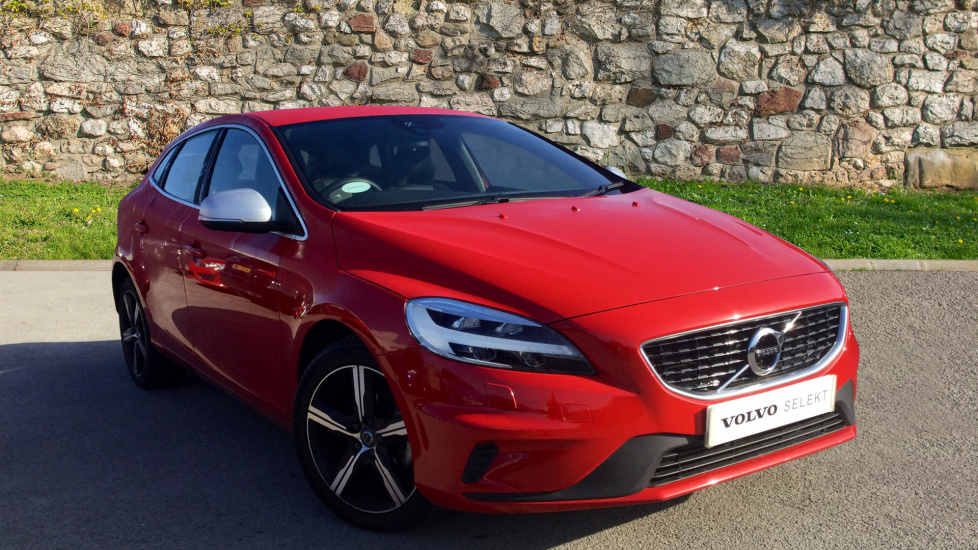 Volvo V40 D2 R-Design Nav Plus (Heated seats and Windscreen, Rear Park, Cruise)