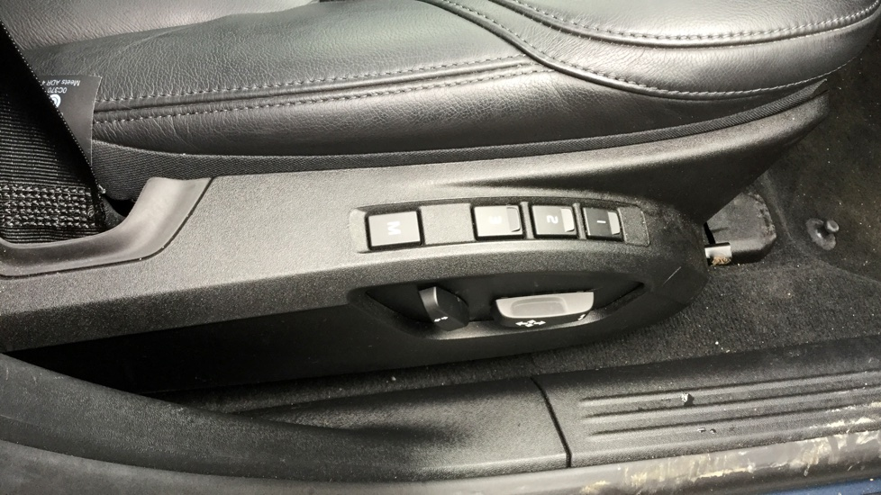 Volvo V40 D3 Inscription Automatic Pan Sunroof Rear Camera