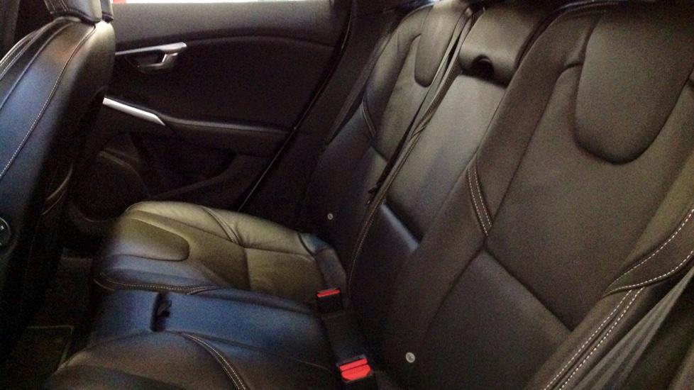 Volvo V40 D3 R-Design Lux Nav Automatic