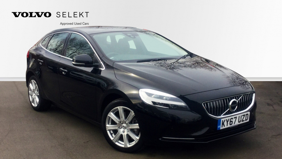 Volvo V40 D3 2.0 Inscription Automatic (Panoramic Roof)