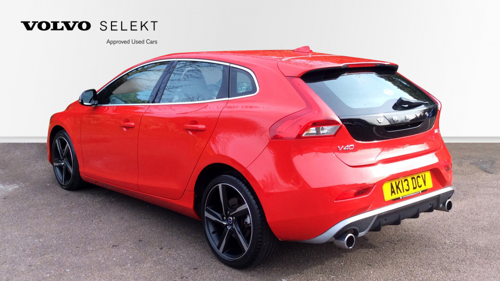 Volvo V40 (Driver Support pack+Front Park Assist+More! ) D2 115bhp R Design Nav