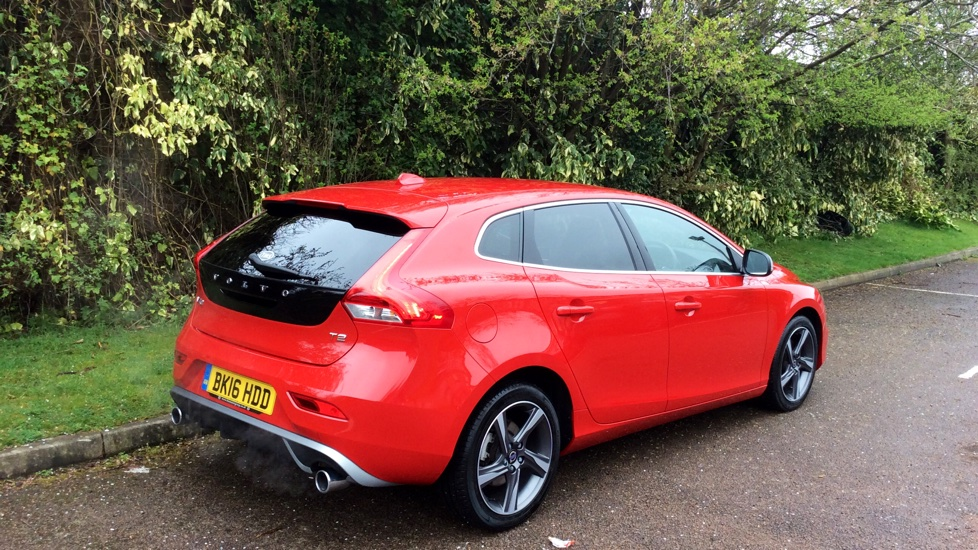 Volvo V40 (DAB Radio+TFT Display+Power Child Locks! ) T2 122bhp R-Design Manual