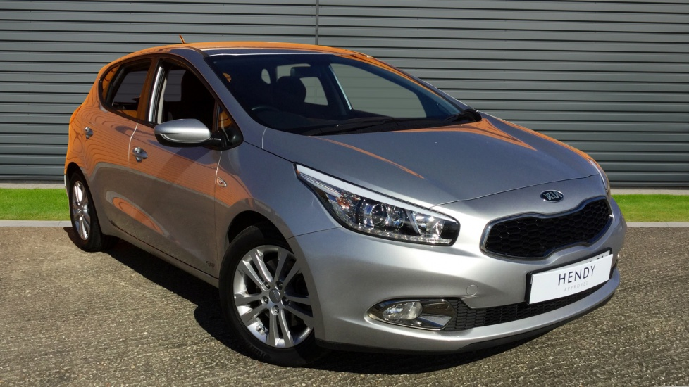 2015 (15) Kia Ceed 1.4 CRDi SR7 For Sale In Portsmouth, Hampshire