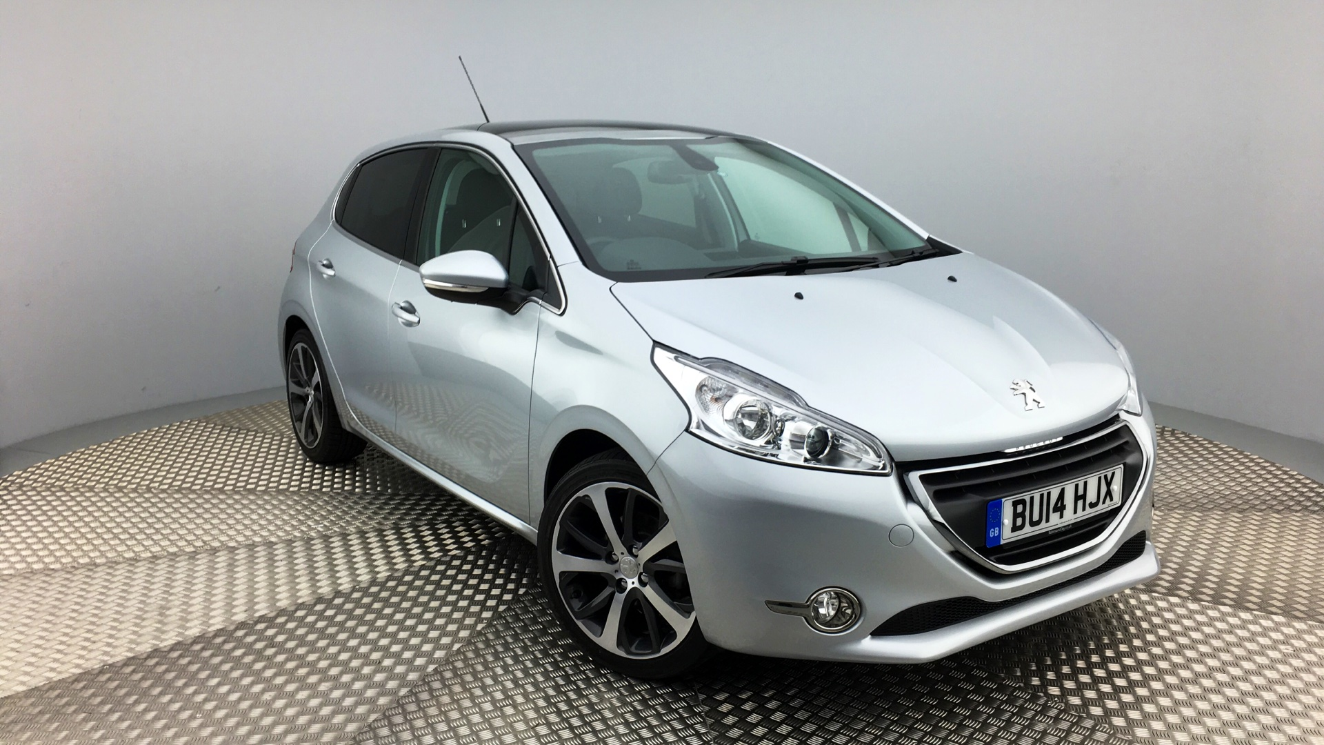 used peugeot 208 hatchback 1 6 vti feline 5dr 2014 bu14hjx. Black Bedroom Furniture Sets. Home Design Ideas