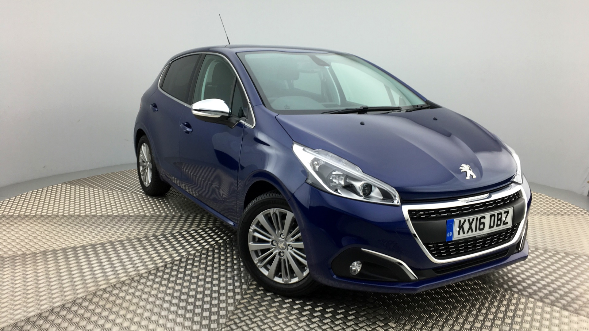 used peugeot 208 hatchback 1 2 puretech allure 5dr kx16dbz. Black Bedroom Furniture Sets. Home Design Ideas