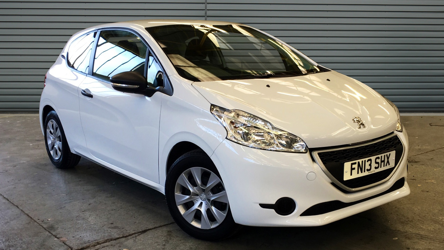 used peugeot 208 hatchback 1 0 vti access 3dr 2013 fn13shx. Black Bedroom Furniture Sets. Home Design Ideas