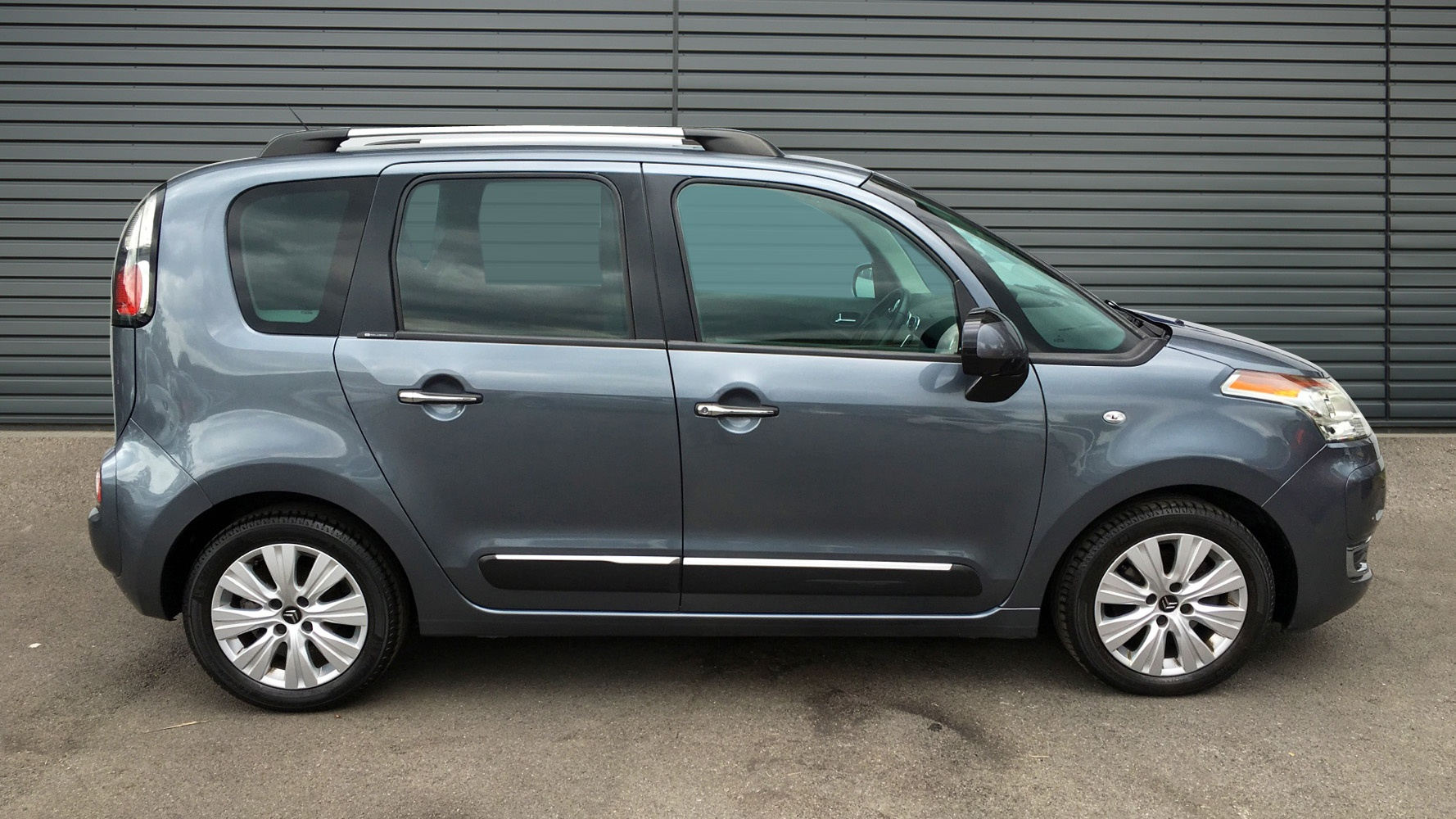 used citroen c3 picasso mpv 1 6 vti exclusive egs6 5dr 2012 re61aco. Black Bedroom Furniture Sets. Home Design Ideas