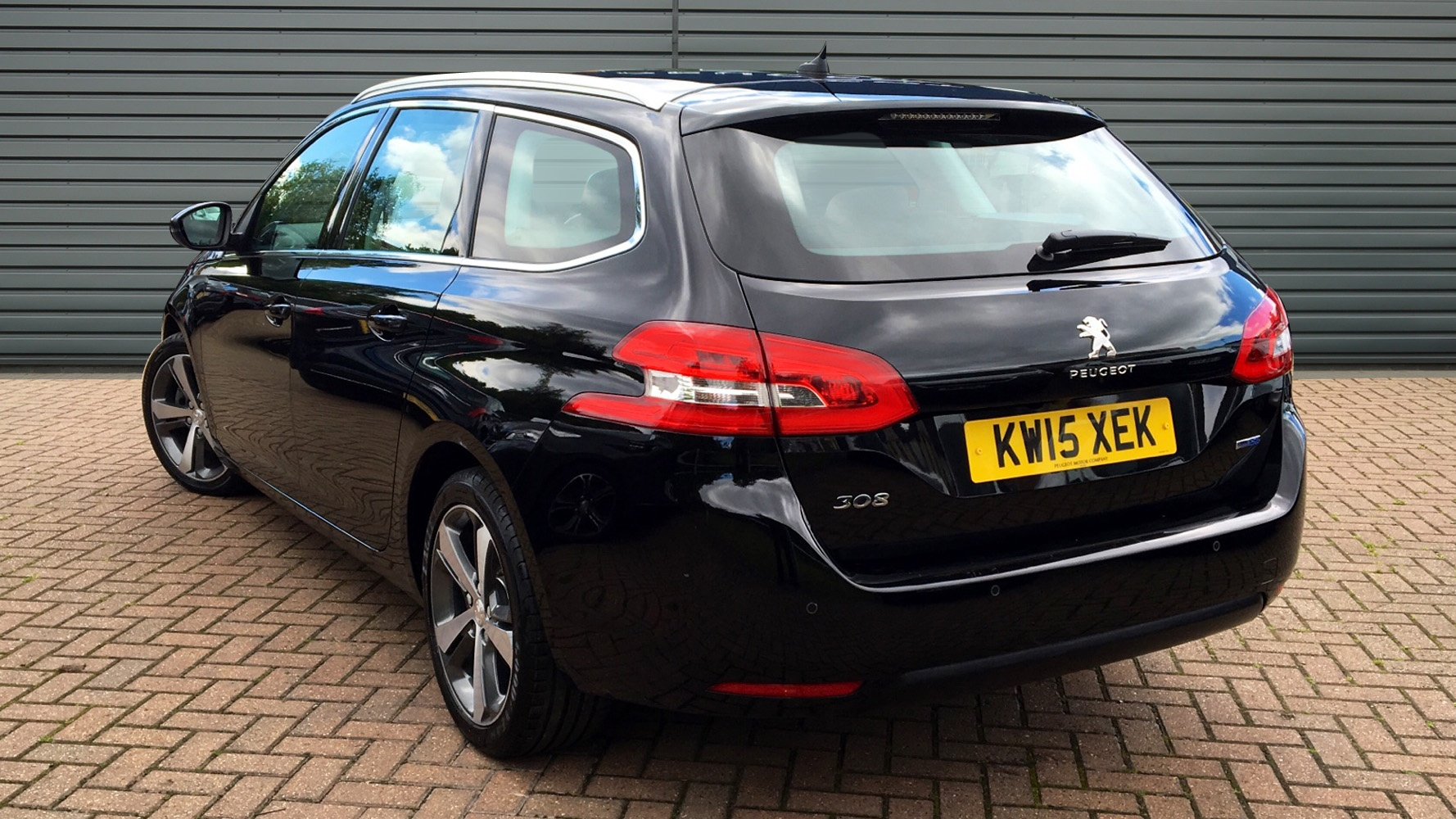 used peugeot 308 sw estate 2 0 bluehdi allure eat6 5dr. Black Bedroom Furniture Sets. Home Design Ideas