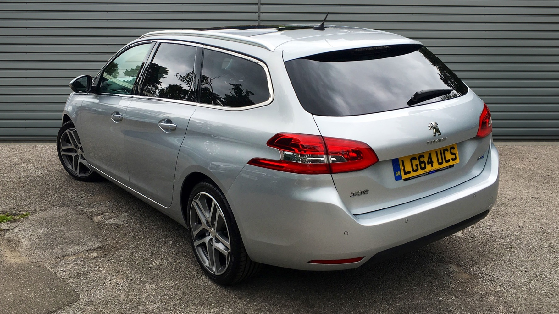 used peugeot 308 sw estate 2 0 bluehdi feline 5dr start. Black Bedroom Furniture Sets. Home Design Ideas
